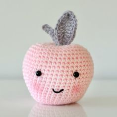 Brighten up your kitchen or kid's room, or make the perfect teacher present with this cute crochet apple
