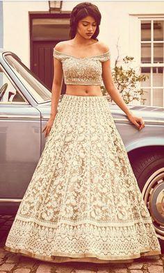 Latest Collection of Lehenga Choli Designs in the gallery. Lehenga Designs from India's Top Online Shopping Sites. Lehenga Designs, Choli Designs, Blouse Designs, Dress Designs, Bollywood Lehenga, Lehenga Choli, Saree, Sabyasachi, Anarkali