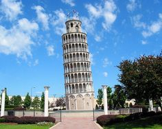 THIS IS A WATER TOWER.... Leaning Tower of Niles- 7 Wackiest Water Towers!