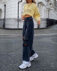 Indie Outfits, Teen Fashion Outfits, Retro Outfits, Cute Casual Outfits, Fasion, Outfits With Jeans, Cute Vintage Outfits, Sneakers Fashion Outfits, Fashion Hacks