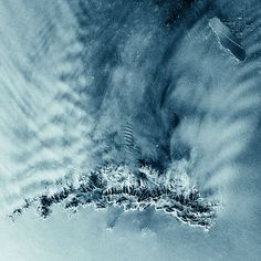 Radar image showing a fissure on the massive A53A iceberg. Photo: ESA