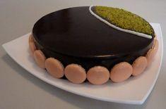 Torta pistacchio, yogurt, albicocca, cacao