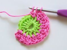 Transcendent Crochet a Solid Granny Square Ideas. Inconceivable Crochet a Solid Granny Square Ideas. Diy Crochet Flowers, Crochet Diy, Manta Crochet, Crochet Flower Patterns, Crochet Stitches Patterns, Crochet Motifs, Granny Square Crochet Pattern, Crochet Granny, Granny Square Häkelanleitung