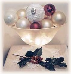 Christmas Ornament Bowl with Lights- Another easy way to put together a beautiful centerpiece. I love doing these.