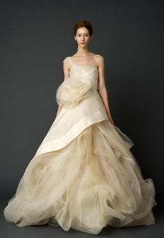 Vera Wang Wedding Gown 2012 Collection (6)