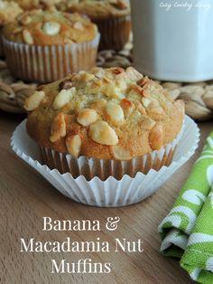 Banana & Macadamia Nut Muffins http://www.cozycountryliving.com/banana-macadamia-nut-muffins/ #muffins #breakfast