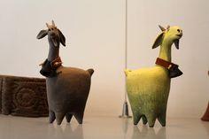 capre Pottery Animals, Ceramic Animals, Clay Animals, Ceramic Art, Paper Clay, Paper Art, Wonder Zoo, Animal Totems, Statue