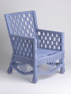 I think I could spray paint my white wicker to something like this!  So pretty!