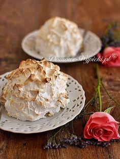 Bardzo atrakcyjny deser, a do tego jaki smaczny. Ulubione lody na cienkim biszkopcie pokryte są grubą warstwą bezy. W sam...