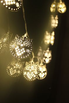 Dailyart Lovely Silver Iron Owl String Light--40 owls--4M--Battery Powered--Warm White Glow: Amazon.co.uk: Kitchen & Home