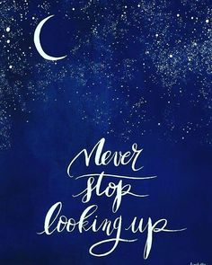 Never stop looking up. Deep inspirational & motivational quotes about yoga・meditation・mindfulness・love・life・relationships・gratitude. Be positive. Be Happy
