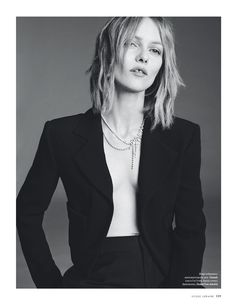 Tristan Godefroy is a Paris and London based agency representing photographers, directors, stylists and set designers.