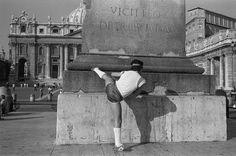 John Vink - Roma. 01/11/1981. Piazza San pietro.