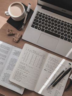 Study Desk, Study Space, Studyblr, Study Room Decor, Study Organization, Work Motivation, College Motivation, School Study Tips, Study Hard