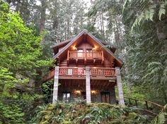 Treehouse Overlook – great family-friendly Mt Baker vacation rental with rustic charm!