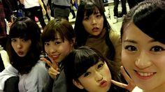 """Nana Yamada x Reina Fujie x Akari Yoshida x Miru Shiroma x Kei Jonishi """"みんなでぱしゃりん(✿´ ꒳ ` )!  #山田菜々 #藤江れいな #白間美瑠 #上西恵"""""""
