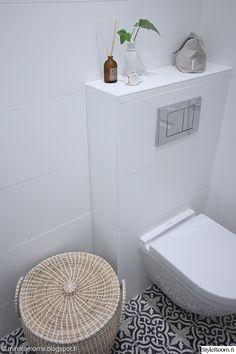 wc,wc somistus,wc sisustus,valkoinen wc,marokkolainen laatta,marokko,kylpyhuone