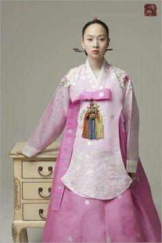 KOREAN HANBOK: