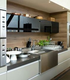 The best modern kitchen design this year. Are you looking for inspiration for your home kitchen design? Take a look at the kitchen design ideas here. There is a modern, rustic, fancy kitchen design, etc. Modern Kitchen Cabinets, Kitchen Dinning, Wooden Kitchen, Kitchen Cabinet Design, Modern Kitchen Design, Home Decor Kitchen, Interior Design Kitchen, New Kitchen, Kitchen Furniture