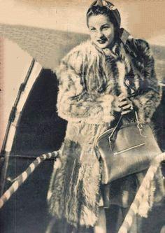 الأميره فوزيه فؤاد اربعينات القرن الماضي 🌺Reem Fawzia Fuad Of Egypt, Old Egypt, Movies And Tv Shows, Egyptian, Fur Coat, Royalty, King, Princess, History