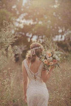 Ideas para bodas - Boho : bridal hair style for bohemian wedding with flower headpiece Autumn Wedding, Chic Wedding, Wedding Styles, Dream Wedding, Wedding Day, Wedding Rustic, Summer Wedding, Wedding Simple, Wedding Hymns