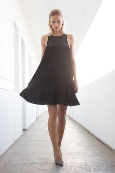 Trina Turk Pre-Fall 2016 Fashion Show