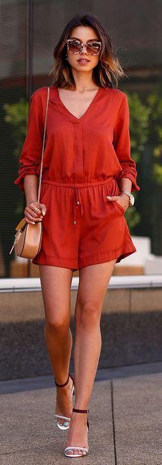 Street style | Summer red romper, heels, purse