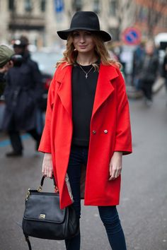This ensemble conveys a straight forward approach to the statement coat.