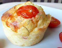 Muffin aux tomates confites et comté No Salt Recipes, Tart Recipes, Cooking Recipes, Vegetarian Cooking, Vegetarian Recipes, Salty Foods, Cupcakes, Savoury Dishes, Appetizers For Party