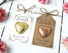 Love is Sweet – Chocolate Heart Wedding Favour - Wedding favors Sweet Wedding Favors, Wedding Favor Table, Homemade Wedding Favors, Chocolate Wedding Favors, Creative Wedding Favors, Inexpensive Wedding Favors, Wedding Vows, Personalised Wedding Favours, Wedding Gifts