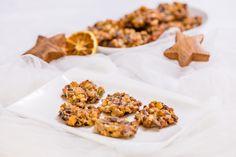 Oblíbené exotické marokánky jsou pečené placičky plné oříšků a kandovaného ovoce. Hotové můžeme zdobit také čokoládou. Cereal, Breakfast, Food, Morning Coffee, Meal, Essen, Hoods, Meals, Breakfast Cereal
