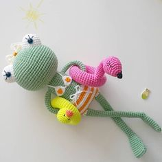 Mesmerizing Crochet an Amigurumi Rabbit Ideas. Lovely Crochet an Amigurumi Rabbit Ideas. Crochet Frog, Crochet Gratis, Crochet Amigurumi Free Patterns, Crochet For Kids, Crochet Dolls, Crochet Baby, Free Crochet, Knitting Patterns, Knitting Toys