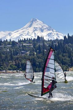 Get Out Of Portlandia! 10 Epic Weekend Trips #refinery29  http://www.refinery29.com/2014/08/71921/portland-weekend-trips#slide-2  Hood River Distance from Portland: 60 miles  If your blood thirsts for adventure, join the locals and go windsurfing at Hood River. Or, to take it to the next level, you can sign up for a beginner kiteboarding course with a buddy at Kite The Gorge and let yourself be whipped over the river. Once you'v...