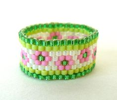 Pink and Green Bead Ring Pink Flowers Beaded door BrownIrisCreations, $16.00
