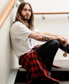 Jared Leto-- this look reminds me of his #mysocalledlife days #jordancatalano