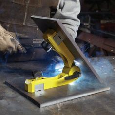 A Magswitch 8100367 Pivot Angle 200 Lb. Work Holder -Buy A Magswitch 8100367 Pivot Angle 200 Lb. Work Holder - Multi-function Circular Saw – GhostRidershop Attollo Scissors Lift, Grooved Grip, for Cylinders Welding Classes, Welding Jobs, Welding Projects, Welding Art, Welding Ideas, Metal Projects, Diy Projects, Welding Supplies, Welding Shop