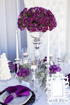 white photo frame to display table number