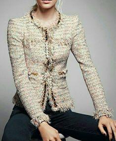 Chanel boucle mantel