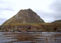Nightingale-island---ph.-J.Brock-Sartma.jpg