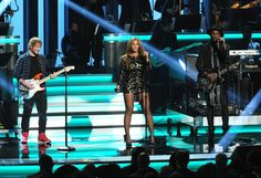 """Beyoncé, Ed Sheeran & Gary Clark Jr. perform a tribute to Stevie Wonder during the Grammy-Sponsered tribute, """"Songs in the Key of Life – An All-Star Salute."""""""