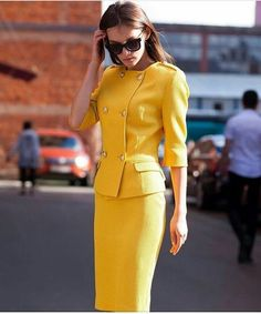 Kostume in 2020 Suit Fashion, Work Fashion, Fashion Dresses, Womens Fashion, Jw Moda, Suits For Women, Clothes For Women, Professional Outfits, Colourful Outfits