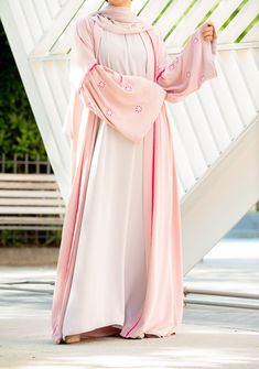 Look and feel your best in a Plus Size abaya from our Curvy Muslimah plus size abaya dress collection. Our Plus Size Abayas designed for comfort and modesty. Abaya Fashion, Women's Fashion Dresses, Hijab Dress, Abayas, Dress Collection, Color Pop, Curvy, Abaya Style, Glamour