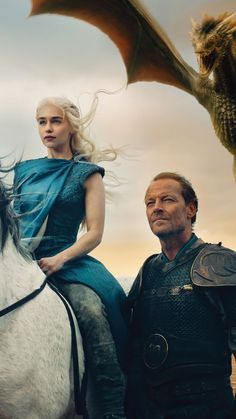 Emilia Clarke ✾ as Daenerys and Jorah Mormont Arte Game Of Thrones, Game Of Thrones Costumes, Daenerys Targaryen, Cersei Lannister, Khaleesi, Emilia Clarke, Winter Is Here, Winter Is Coming, Familia Targaryen