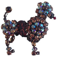 Preowned Schreiner Brooch Unsigned 1950s Poodle ($225) ❤ liked on Polyvore featuring jewelry, brooches, black, costume jewellery, rhinestone broach, rhinestone brooches, schreiner jewelry and costume jewelry