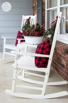 Festive & Frugal Christmas Porch Decor: Ideas for adding easy touches of Christmas to welcome your family and friends to your home. Frugal Christmas, Plaid Christmas, Christmas Home, Christmas Holidays, Christmas Crafts, Christmas Design, Christmas Porch Ideas, Christmas Vacation, Holiday Ideas