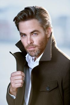 Chris Pine....um, yassssss!! Is that grey I'm seeing!?! uhn! Like a fine wine!!