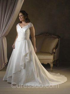 823f530c0b6d 34 bästa bilderna på brudklänning | Bridal gowns, Wedding gowns och ...