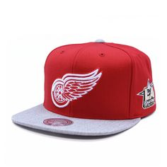 Official Hats, The Big Boss, Badass Outfit, Fitted Caps, Detroit Red Wings, Snapback Hats, Hats For Men, Swagg, Fashion Men