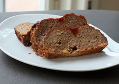 This moist, savory meatloaf recipe is made with a combination of ground beef and pork. Applesauce and ketchup add flavor and moisture to the loaf. Meatloaf Muffins, Meatloaf Recipes, Pie Recipes, Sauce Recipes, Meatball Recipes, Cheese Pie Recipe, Cheese Pies, Cheddar Cheese, Cheddar