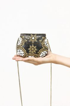 Bombonera negra dorada, clutch, bolso metálico, bolso boda, new colection, System Action, clothes, ropa, tienda online, online shop, accessories, bag, shoes, scarves, bufanda